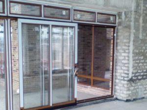 Наклонно-сдвижная дверь Рехау