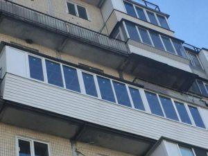 семиметровая балконная рама с обшивкой